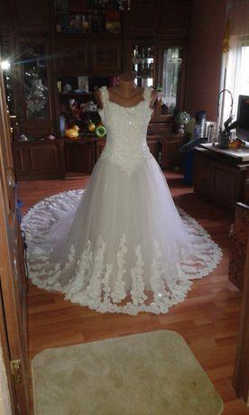 свадебное платье . весільна сукня s
