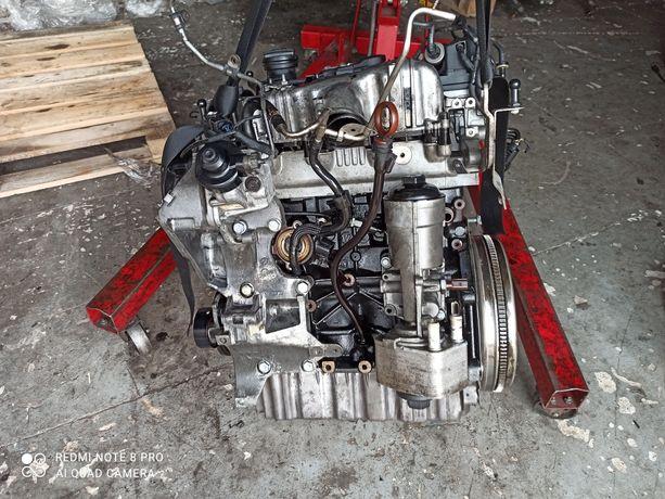 Двигатель мотор Пассат гольф Шкода Туран CBA BMM 2.0 TDI 103 KW