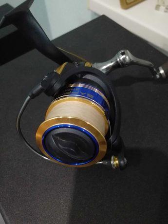 Катушка FAVORITE SAPPHIRE 2500 s зі шнуром YGK G-Soul X4  200m #0.6