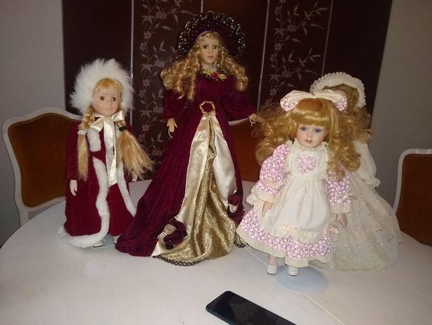 Piękne stare lalki porcelanowe.