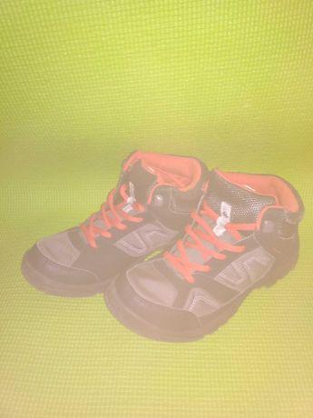 Ботинки Quechua 37р.