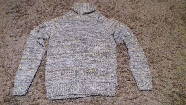 Продам свитер на подростка