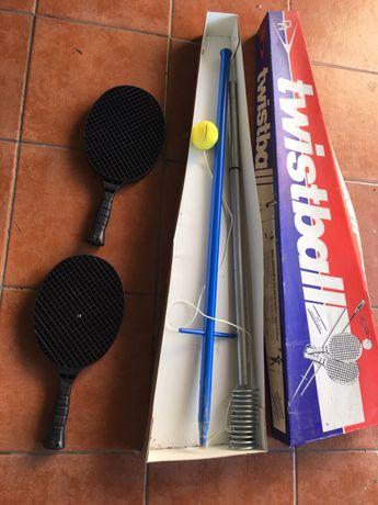 Twistball com 2 raquetes