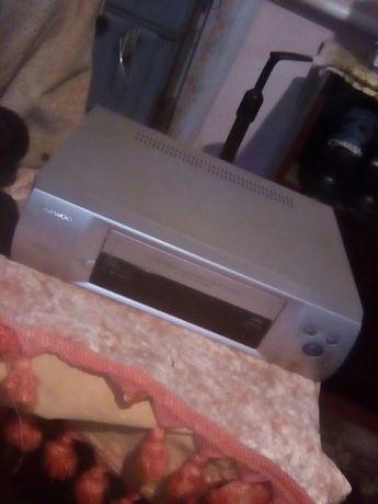 Продам видео магнитофон DAEWOO