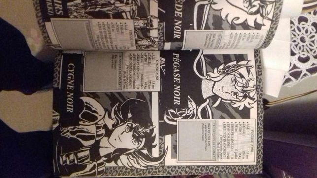 Livro BD Cavaleiros do Zodíaco.