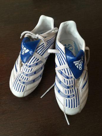 Buty sportowe korki firmy Adidas