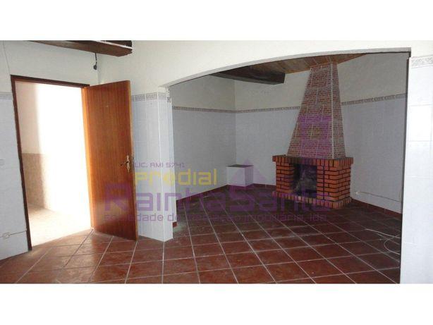 Moradia M4 c/ 2 garagens- Souselas - Imóvel do Banco