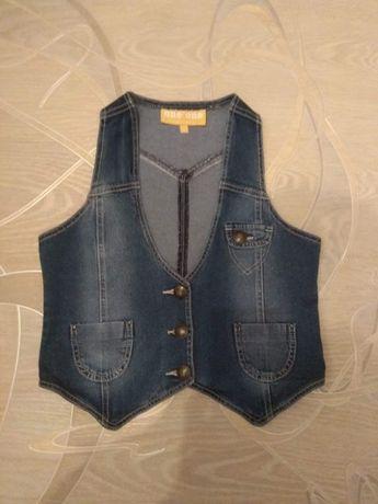 джинсовая жилетка р.158