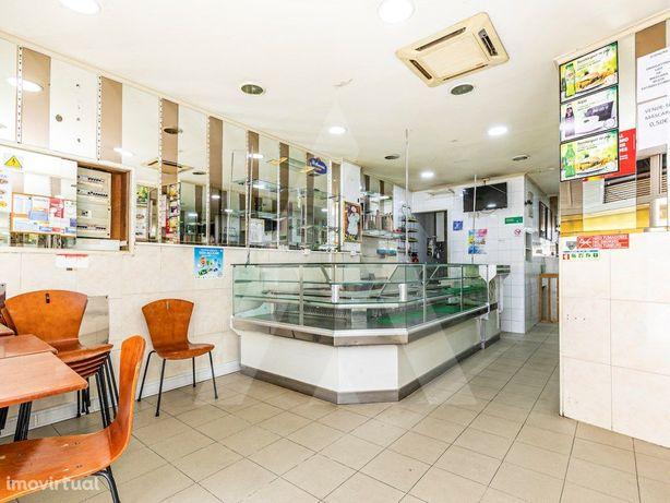 Café I Restaurante nas Olaias pronto a funcionar!