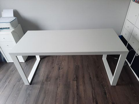 Białe, modne, minimalistyczne biurko/stół w stylu loft