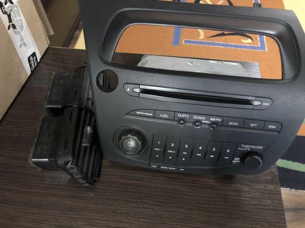 Штатная магнитола на Honda Civic 5d/typer r fn2