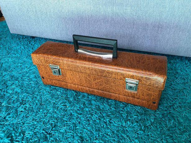 Etui/opakowanie na kasety magnetofonowe wraz z kasetami