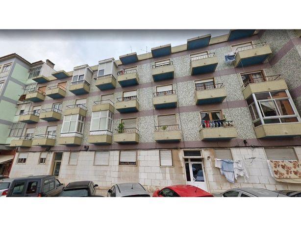 Prédio com 8 Apartamentos