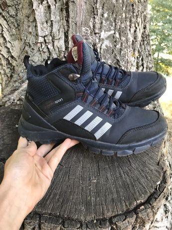 Взуття 40 розмір 5 пар
