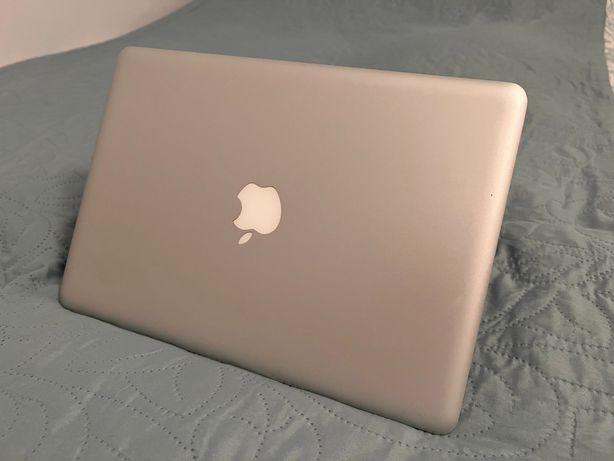 MacBook Pro 13 cali, 8 GB ram, intel i5, 256 GB SSD