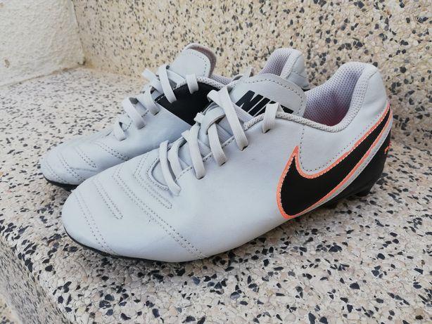 Chuteiras Nike 35.5