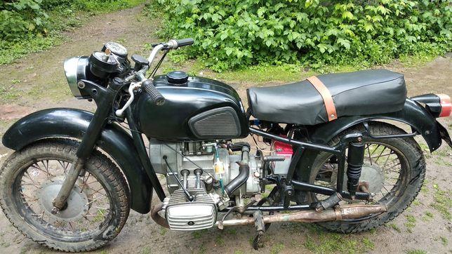 Мотоцикл Мт Днепр 10-36