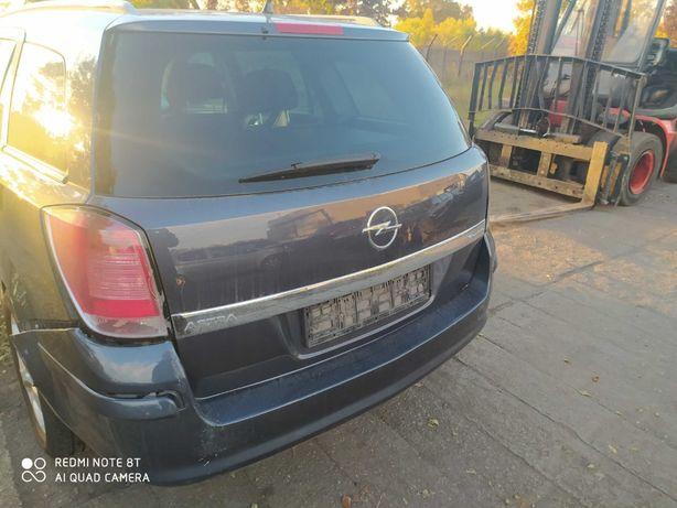 Opel Astra H klapa