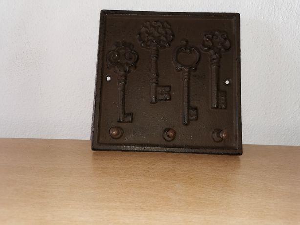 Suporte de parede para chaves antigas