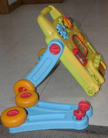 Brinquedo iterativo de bebé