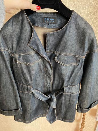 Продам джинсовую куртку Escada sport.  Размер S. 1600 грн.