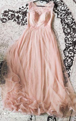 Терміново продаю вечірню сукню