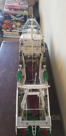 Barco navio de pesca miniatura