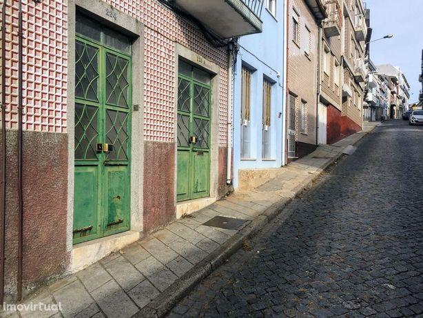 Prédio em Reconstrução - Sé, Braga