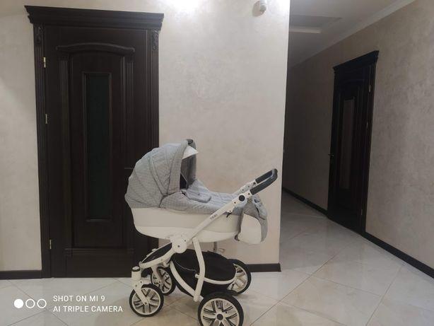 ГАРНА ,Надійна,Дуже легка в управлінні коляска Broco Capri 2в1