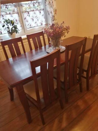 Stół plus sześć krzeseł
