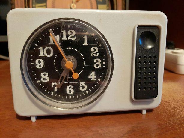 Продам настольние часи с будильником Сделани в СССР,«Янтарь»
