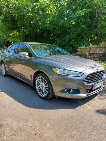 Ford Fusion 2013г.