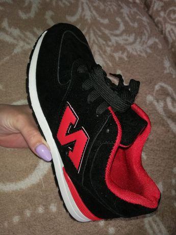 Кросівки Продам!