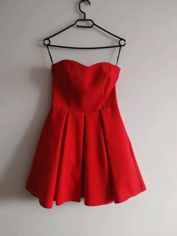 Sukienka czerwona rozkloszowana rozm. S