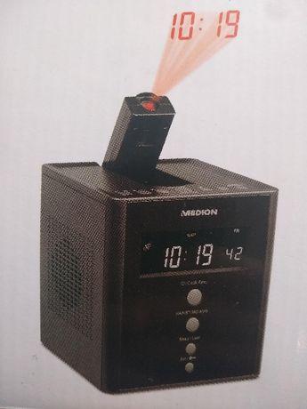 Radiobudzik z projektorem MEDION (MD 43562) w kol. czarnym