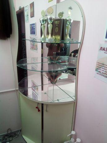 Стеллаж угловой со стеклянными полками и зекралами