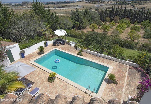 LGS32V3 moradia de grande conforto, piscina privada, local muito calmo