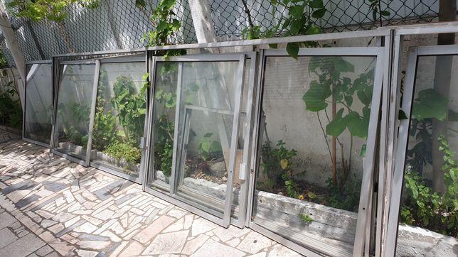 Porta e 4 Janelas Grandes de Aluminio