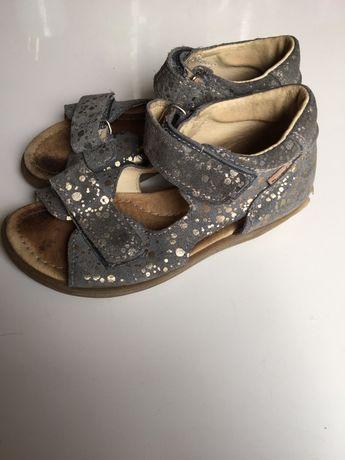 Sandałki Mrugała rozmiar 28