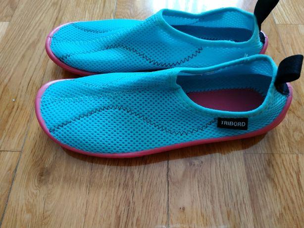 Sapatos de água de criança