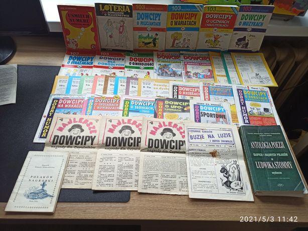 Gazety, czasopisma, dowcipy coś na polepszenie humoru