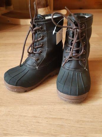 Зимове взуття, сапожки, сноубутси