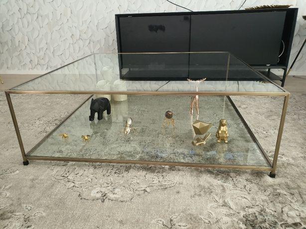 Mesa de centro dourada