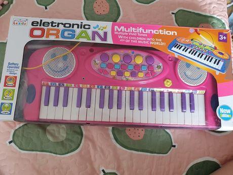 Keyboard organy z mikrofonem różowy