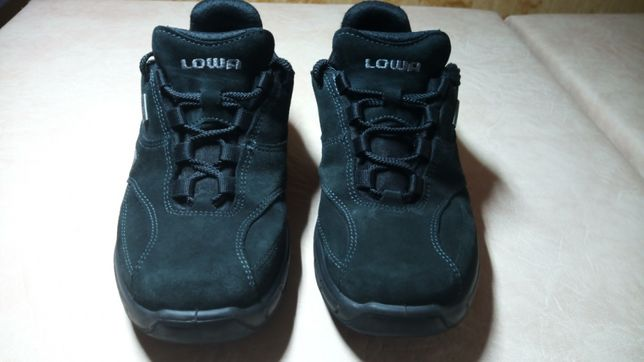Lowa кроссовки