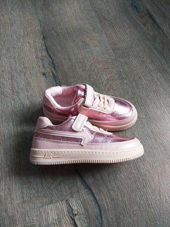 Стильные детские кроссовки 20 см. по стельке