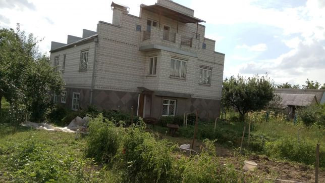 Большая Александровка. Продам 2х эт дом 292 кв.м.м.Бориспольская 13 к