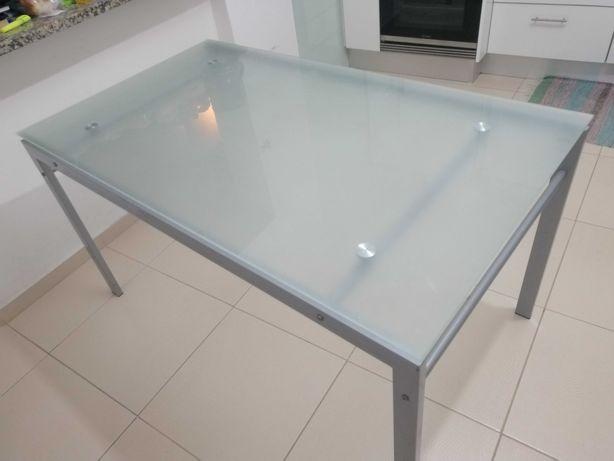 Mesa de jantar vidro e ferro