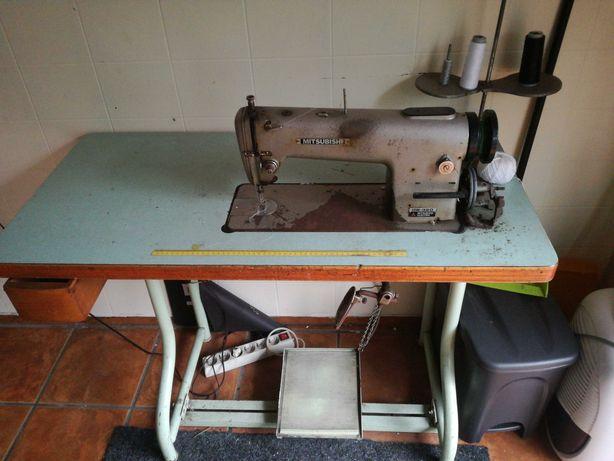 Máquina de costura Mitsubishi