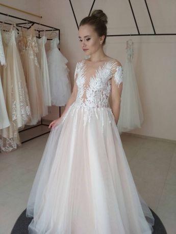 Продам невенчаное свадебное платье
